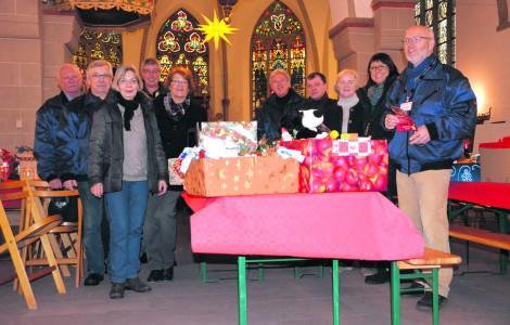 Mindener Tafel verteilt fast 800 Geschenkpakete