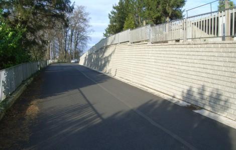 Neue Stützmauer für Kahlen Brink in Veltheim