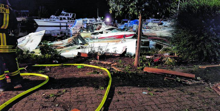 Motorjacht explodiert im Hahler Hafen